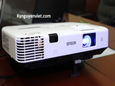 Máy chiếu cũ Epson EB-X05