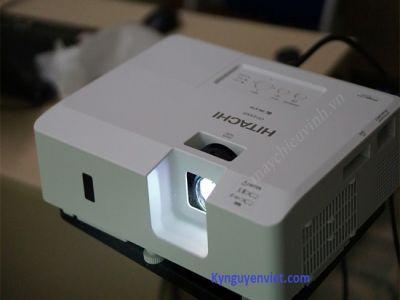 Máy chiếu cũHITACHI CP-EX303