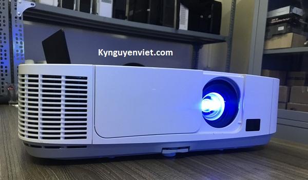máy chiếu cũ NEC NP-P401W