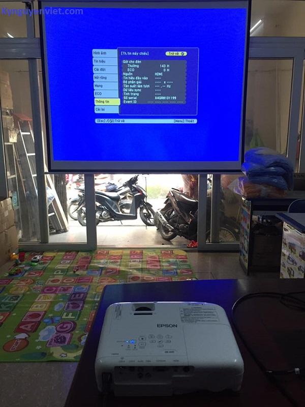 Máy chiếu cũ tại Hà Nội